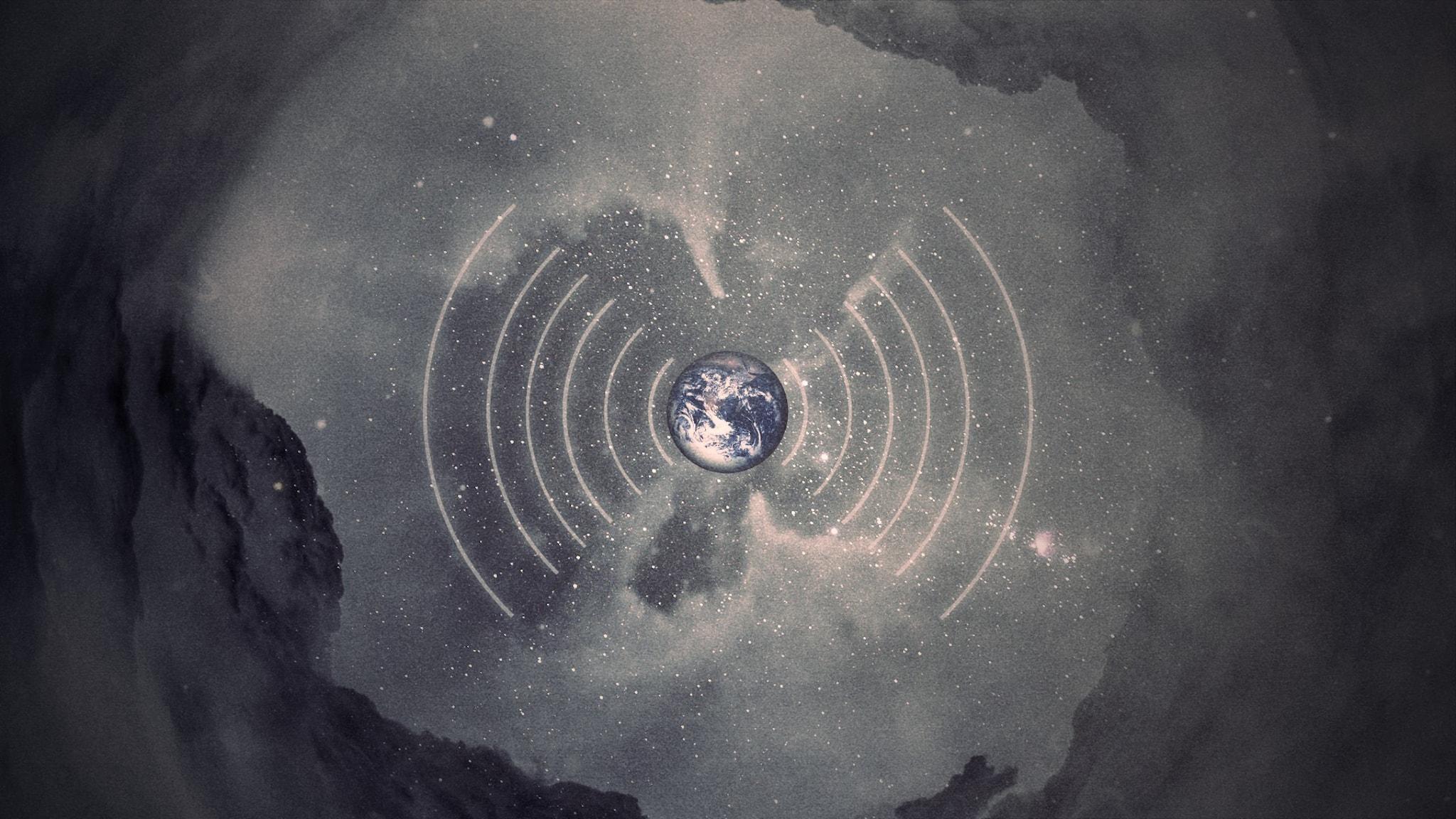 En liten jord i rymden som skickar ut radiovågor