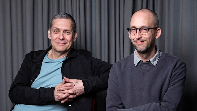"""Janne Vierth och Daniel Karlsson, som skrivit manus till Barnradions julkalender """"Tonje i Glimmerdalen""""."""