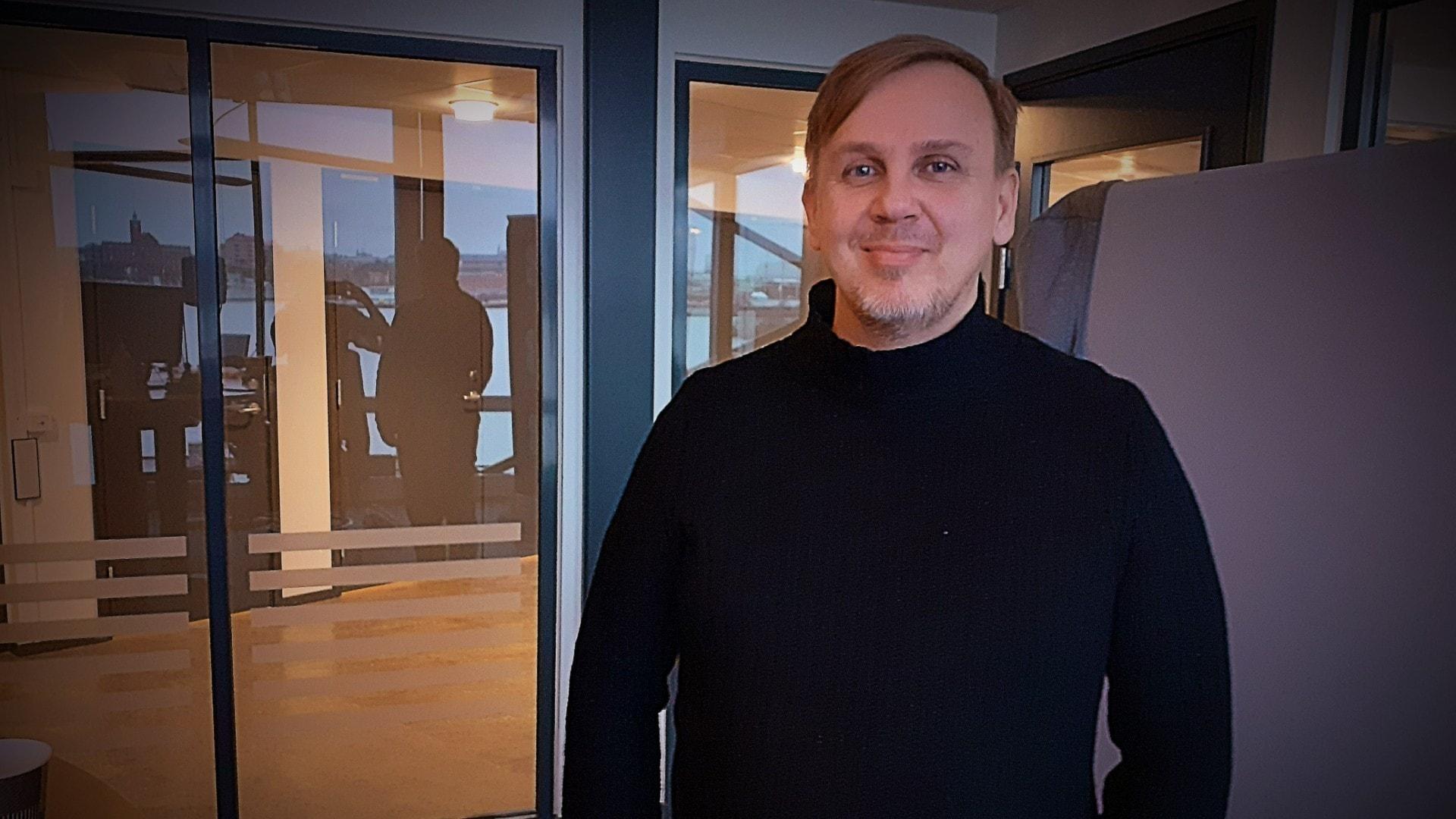 Miika Tuomivuo tuli kuuluisaksi maalattuaan Jimme Åkessonin itkevänä lapsena