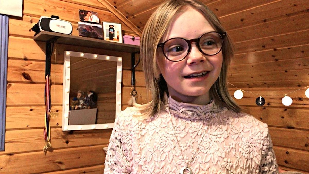 Ella Márge Nutti gör rösten till unga Anna i Jiknon 2 - Frost 2