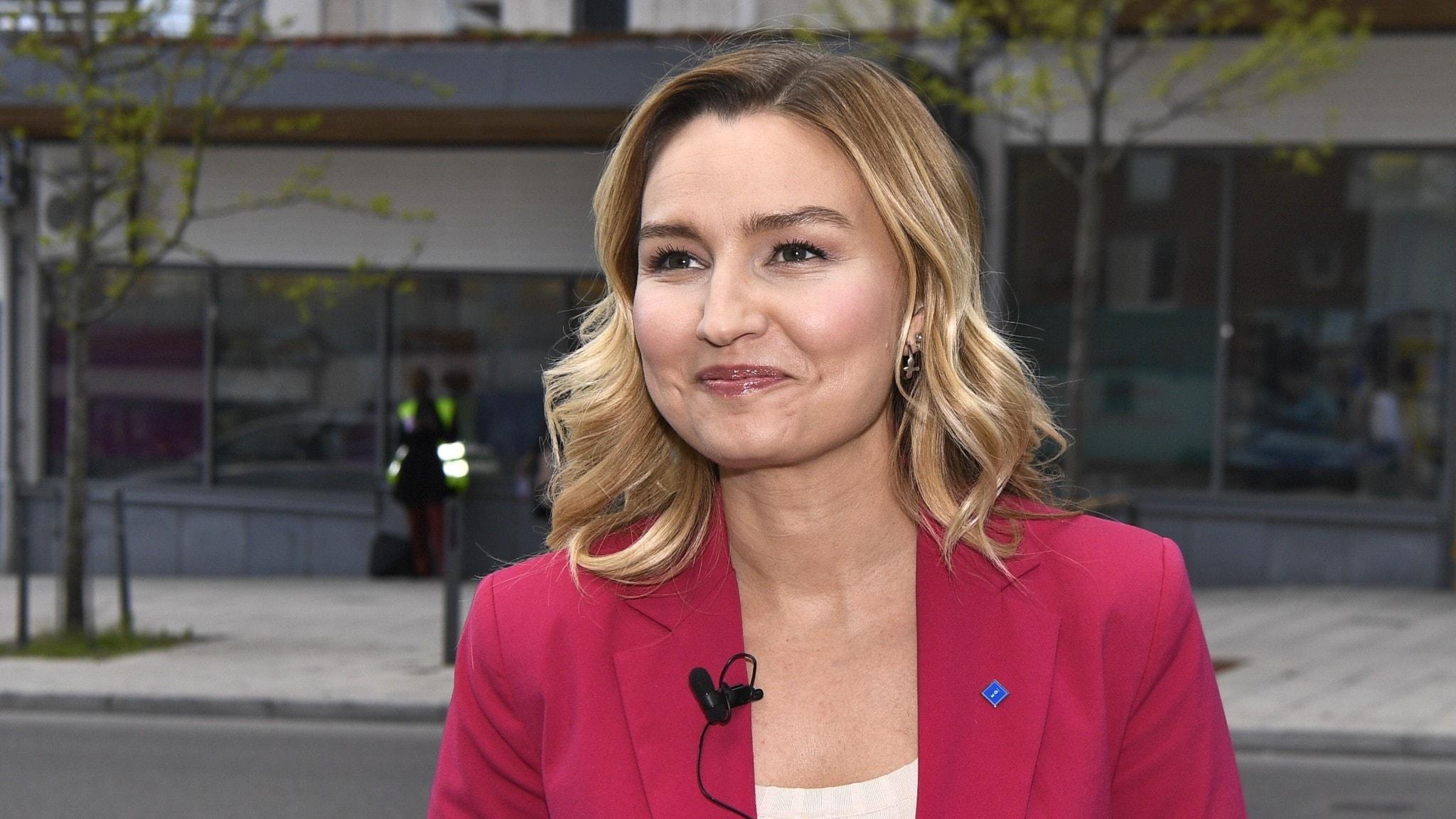 Kristdemokraternas partiledare Ebba Busch (KD) inför partiledartimmen under Järvaveckan på fredagen.