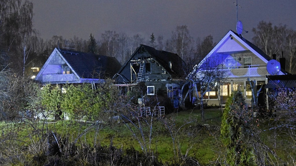 Nedbrända huset i Tumba.