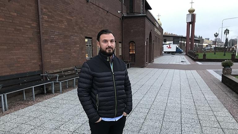 Hobil Varli är aktiv i S:t Afrems kyrka i Södertälje.