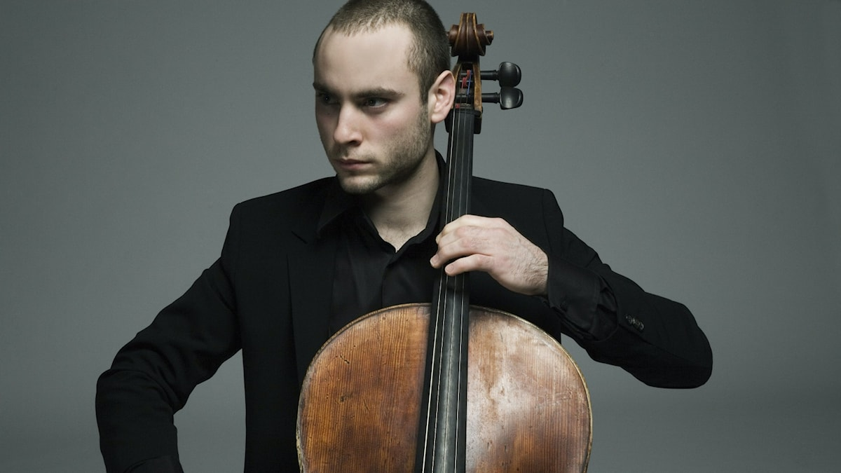 Jakob Koranyi spelar cello