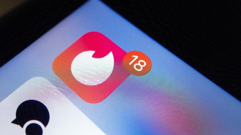 Bild på Appen tinder i en mobiltelefon.