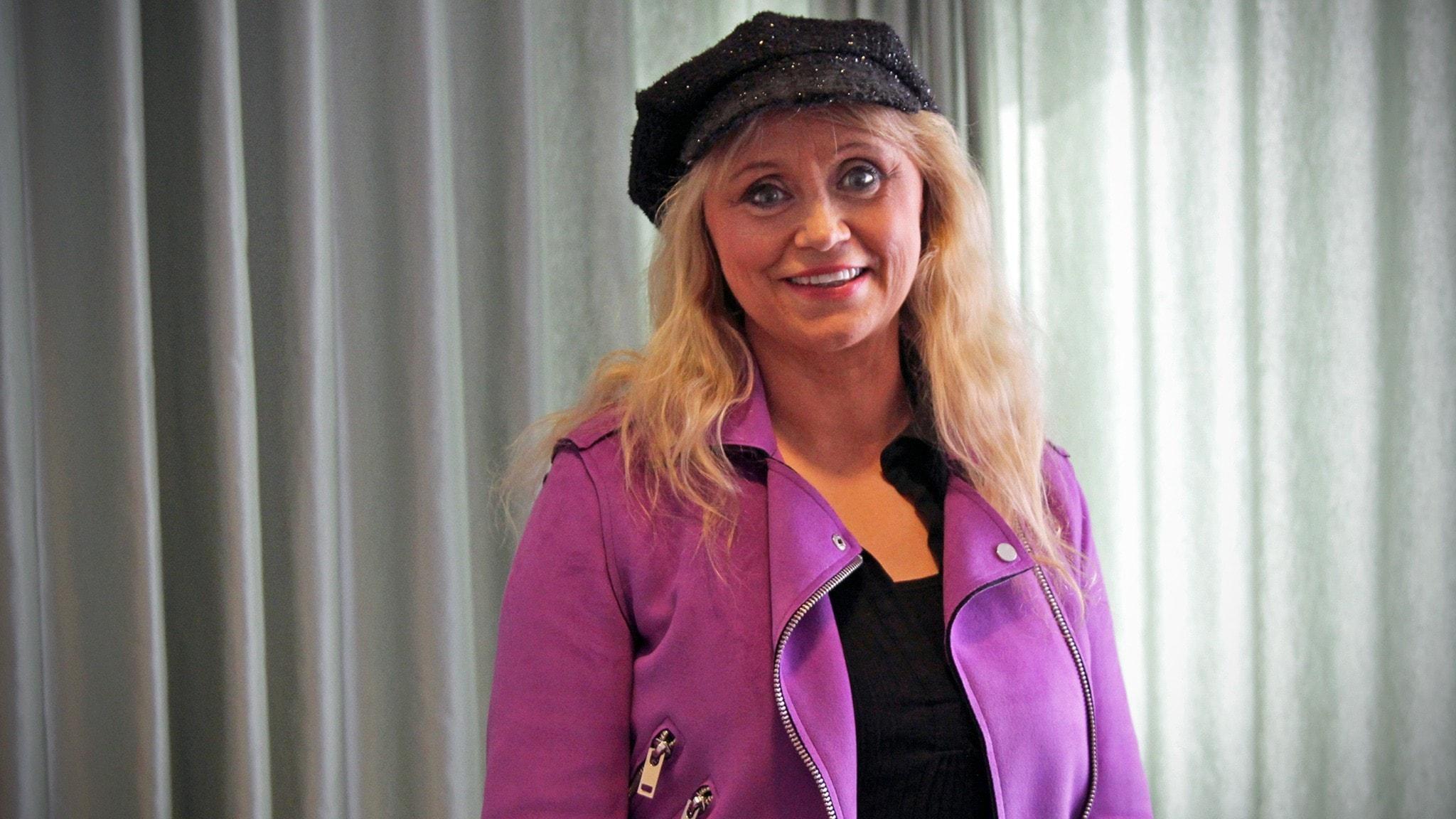 Nanne Grönvall växte upp med våld i hemmet från att hon var fem år gammal - spela