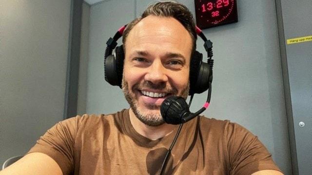 David Hellenius firar 25 år som TV-programledare – med ny fredagsunderhållning - spela