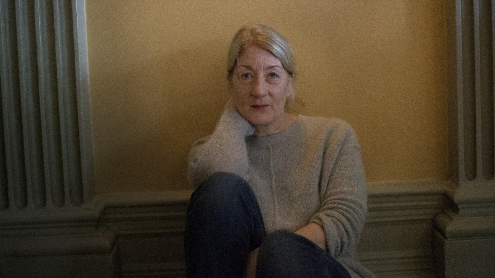 Lotta Tejle om 80-talsnostalgi, stallet – och hur röjsågen ger henne frid