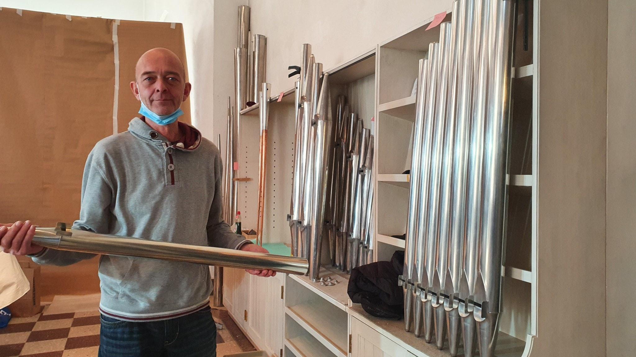 Andreas Krischer som är orgelbyggare och intonatör.
