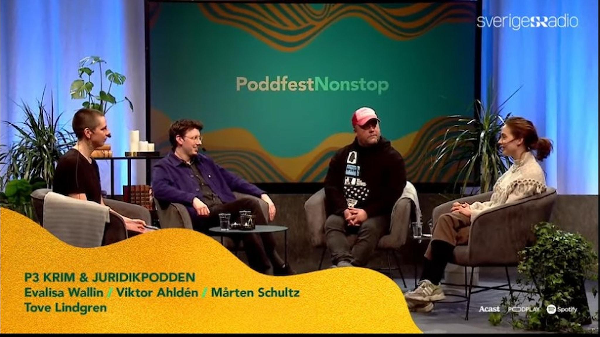 En bild på de medverkande i samtalet på Poddfest med P3 Krim och Juridikpodden