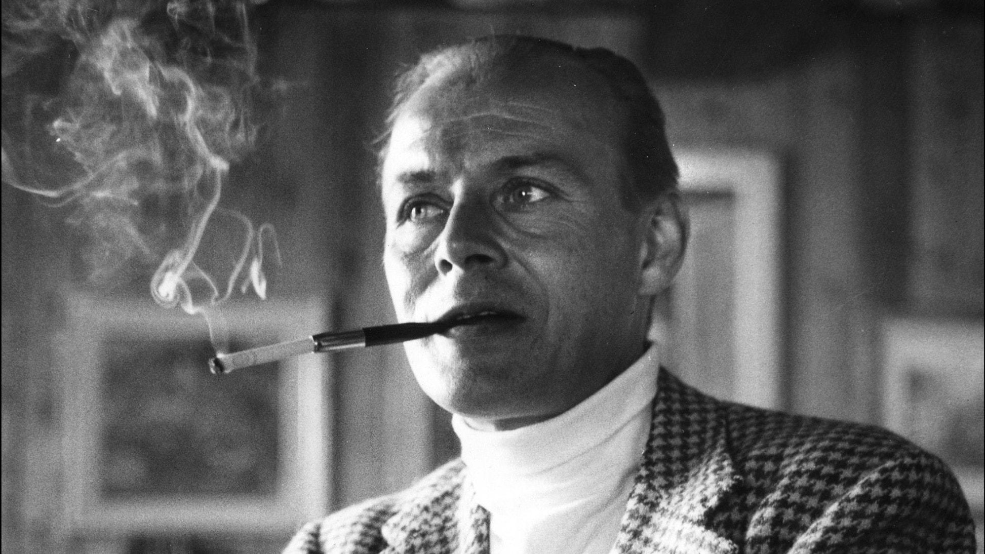 Hasse Ekman – den svenska filmens dandy kommer tillbaka - spela