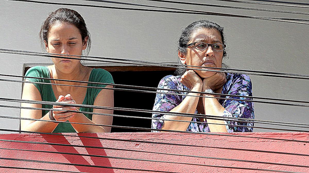 Den övergivna dottern Jéssica och hennes mor - nannyn Val - spelade av Camila Márdila och Regina Casé i Den andra mamman