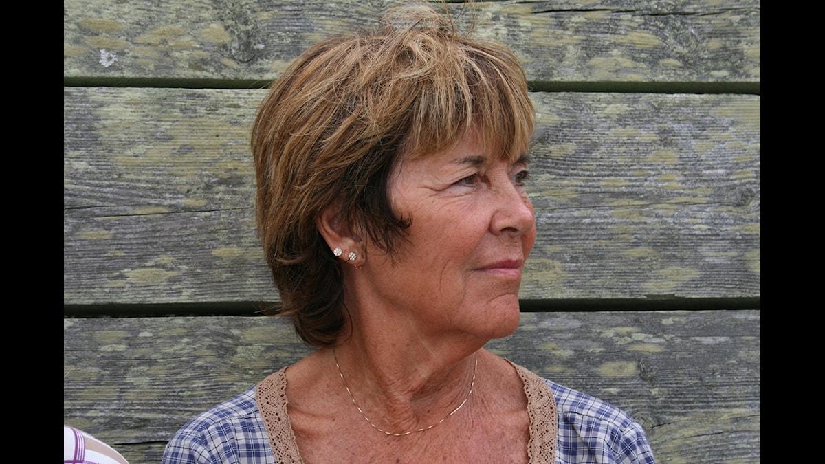 Ingela Lind är konst-och kulturkritiker. Hon har arbetat på radio, SvT och DN sedan 1970-talet.