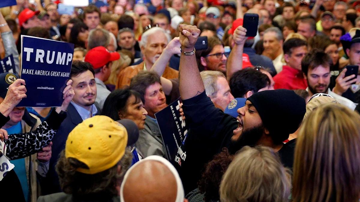 Protester när Donald Trumps kampanj nådde New Orleans i mars.