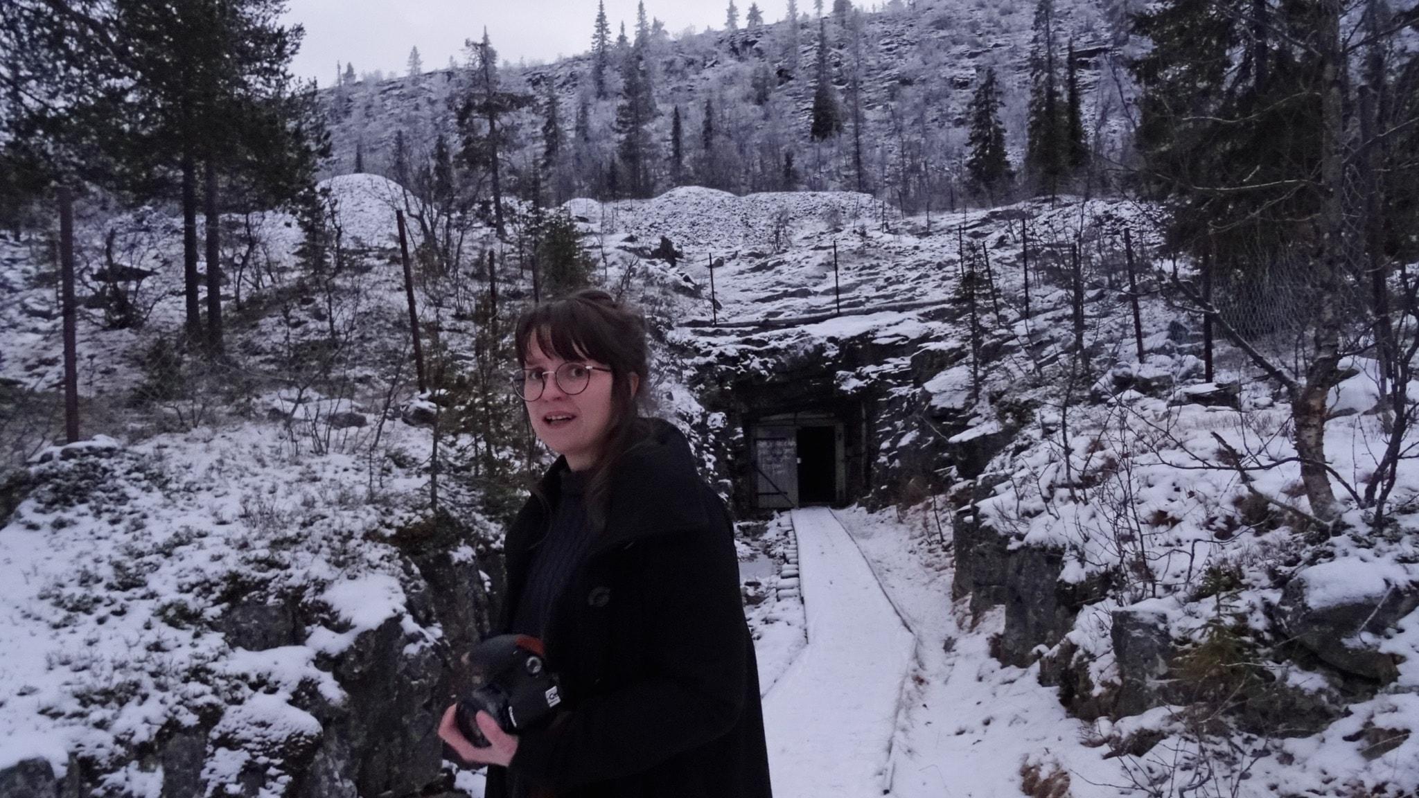 Miriam Vikman på väg in i Mariagruvan, Nautanen