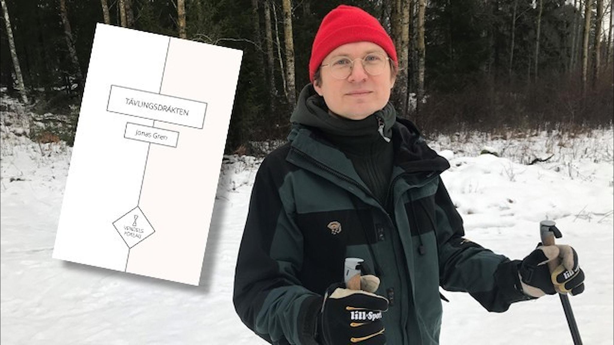 Poeten Jonas Gren åker längdskidor i röd toppluva.