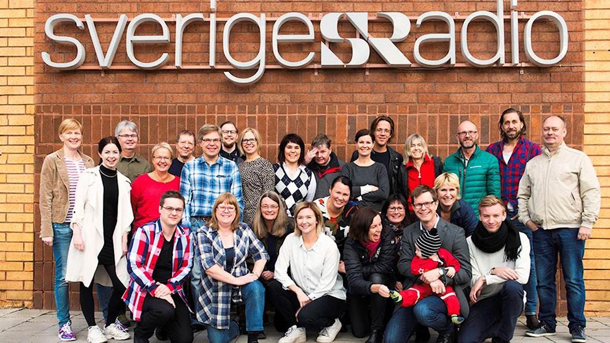 Gruppbild på hela Sveriges Radios redaktion i Luleå. Foto: Magnus Stenberg/Luleåfotograferna.
