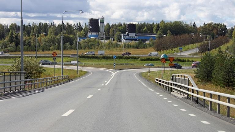 Infart mot stor trafikrondell