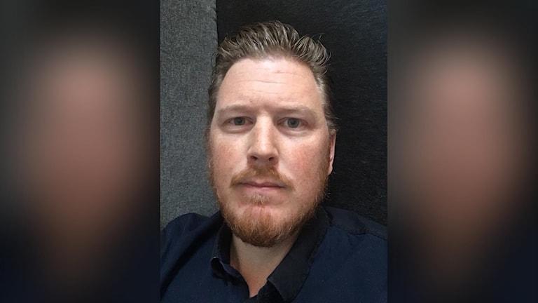 Porträttbild på Erik Bakkman som är polisområdeschef i Jämtlands län.