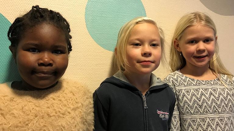 Anna Guma, Elina Larsson och Irma Laxbäck är alla 7-år och går på Gällö skola