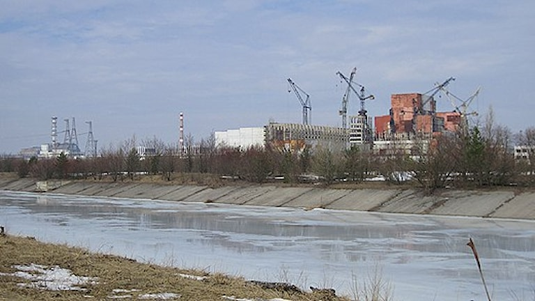 Vy över reaktorerna i Tjernobyl. Foto: Sveriges Radio