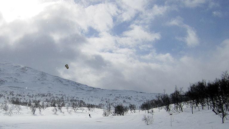 Kiteåkare i Jämtlandsfjällen. Foto Staffan Andersson