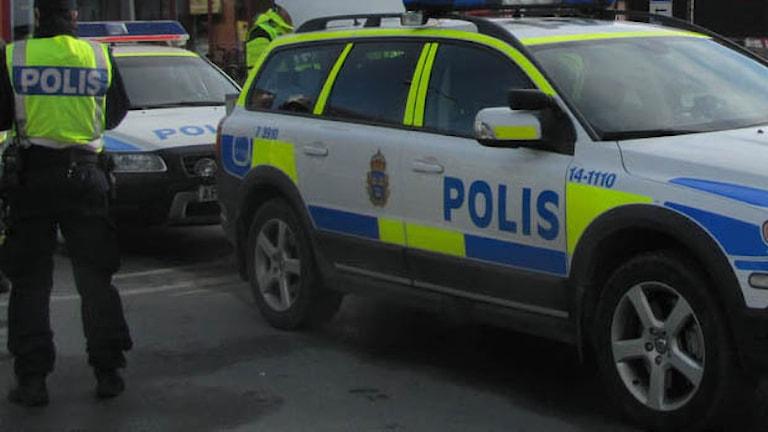 Polis och polisbil