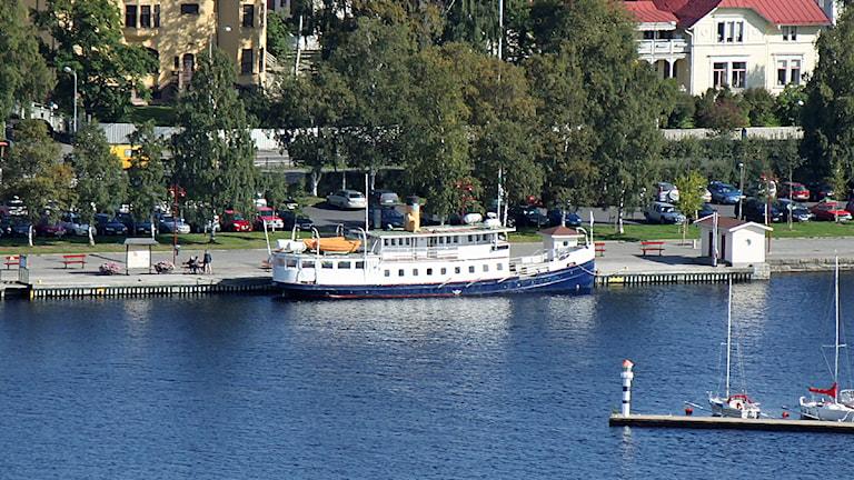Ångbåten Thomeé i hamnen. Foto: Jan Mårdberg/Sveriges Radio