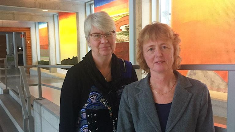 Ann-Marie Johansson (S) regionstyrelsens ordförande och Lisbet Gibson, hälso- och sjukvårdsdirektör.