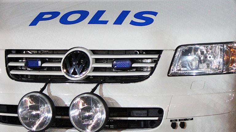 Front polisbil