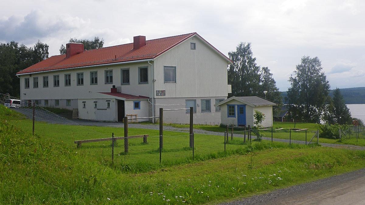 Hovs skola i Alsen. Foto: Ann-Louise Rönestål Ek/Sveriges Radio.