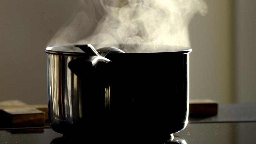 Kastrull med kokande vatten. Foto: Scanpix.