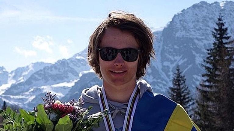 Oliwer Magnusson, ÖFS, efter silver i slopestyle i JVM i freesking i italienska Valmalenco. 170406. Foto: Janne Magnusson