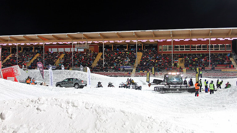 Storpublik på fotbollsarenan. Foto: Alf Levin/Sveriges Radio