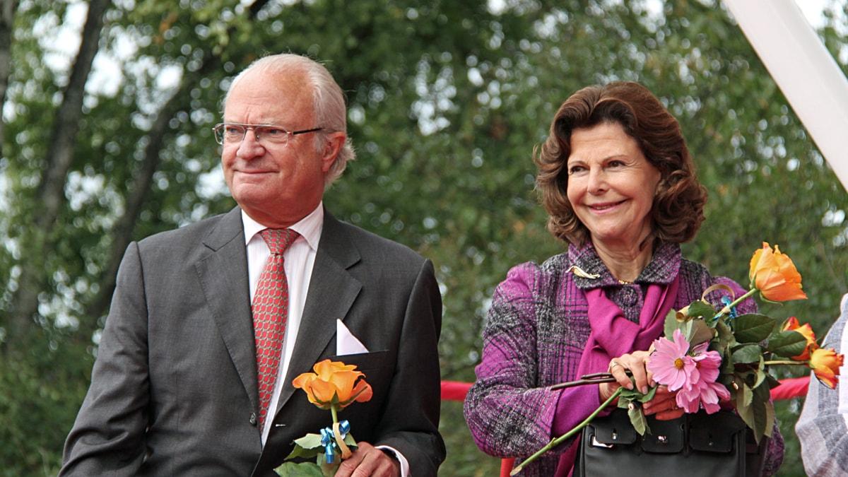 Carl XVI Gustaf och drottning Silvia på besök i Östersund. Foto: Janne Mårdberg/SR