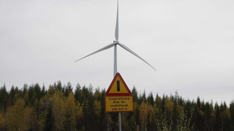 En av vindkraftverken i Stamåsen. Foto: Stig Edfast