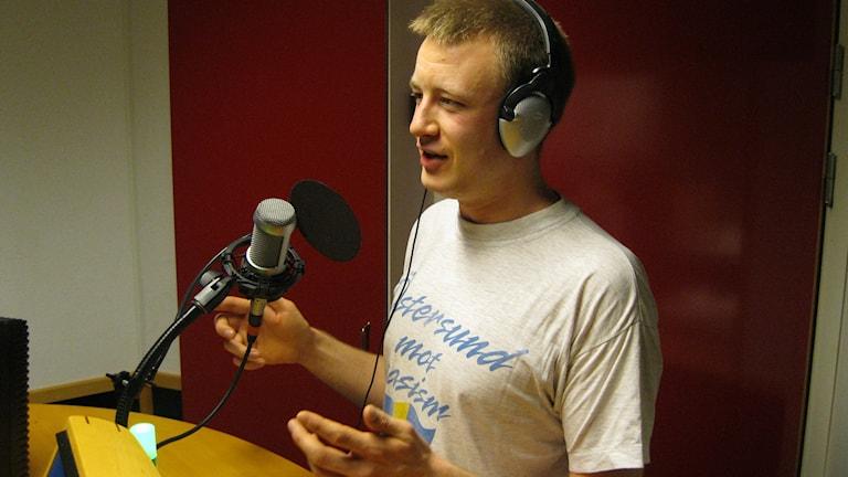 Nisse Sandqvist, en av initiativtagarna till manifestationen genom nystartade nätverket Nazistfritt Jämtland. Foto: Viktor Åsberg/Sveriges Radio
