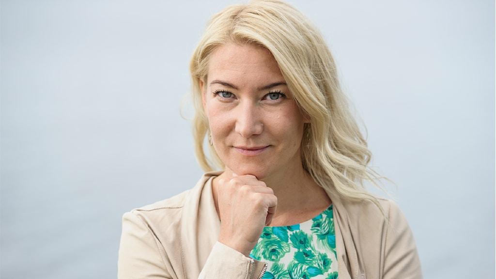 Elin Olofsson, författare
