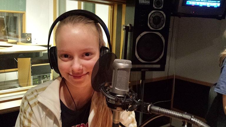 Undgomskorren Ebba Sunnergren Eurenius hjälper till med få oss att förstå vad det pratas om i de yngre åldrarna.