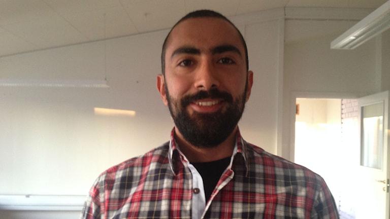 Serry Alhafez kommer från Syrien och är utbildad tandläkare.