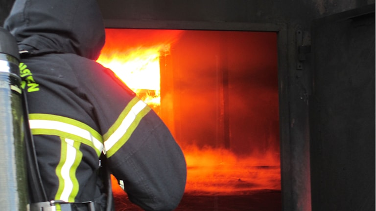 brandman tärnar rökdykning