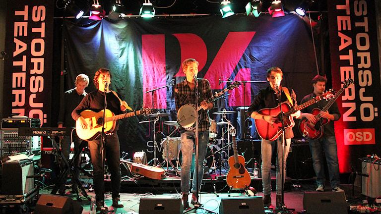 Morning Glory spelar på Storsjöteaterns scen.
