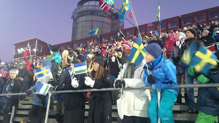 Publik på skidskyttetävling i Östersund