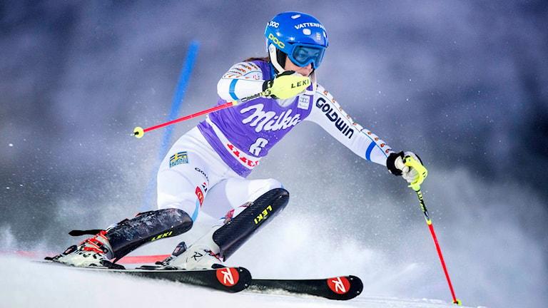 Maria Pietilä Holmner kör slalom