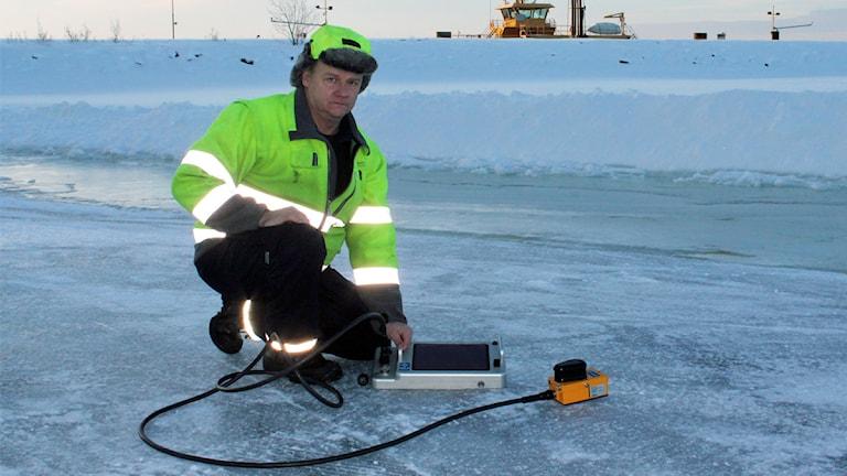 P O Zackrisson ansvarig för isvägarna på Storsjön