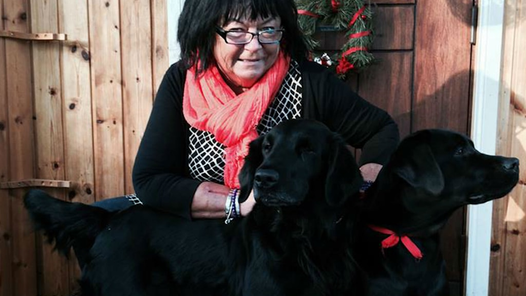 Krain Jäverdahl hämtar tröst hos sina två hundar