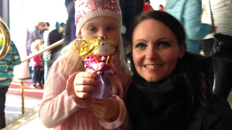 Gry Jansson, 4 år, och hennes mamma Iva Jansson.