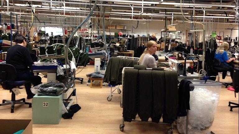 Östersundsföretaget Woolpower nyanställer och annonserar utomlands för att hitta erfarna industrisömmerskor. Foto: Sylvia Dahlén