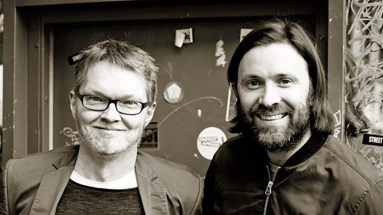 Henrik Ennart och Niklas Ekstedt har skrivit kokboken: Den blå maten
