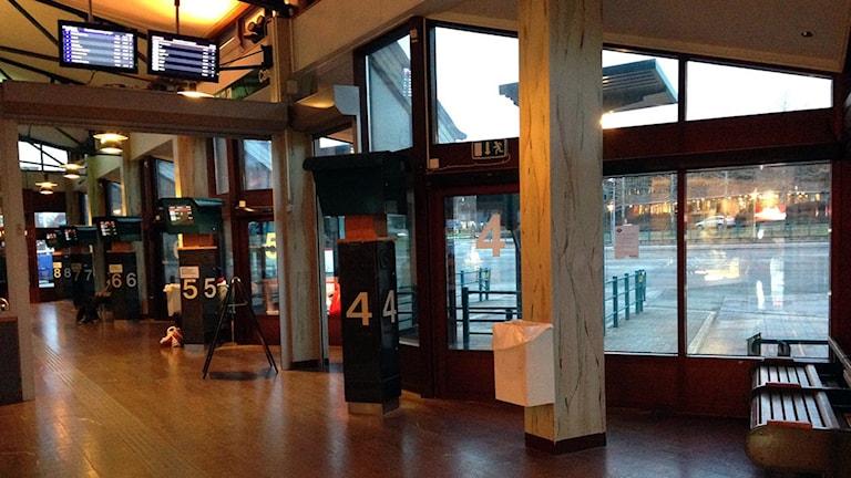 Interiör från busstationen i Östersund. 151113. Foto: Johanna Vackdahl/SR